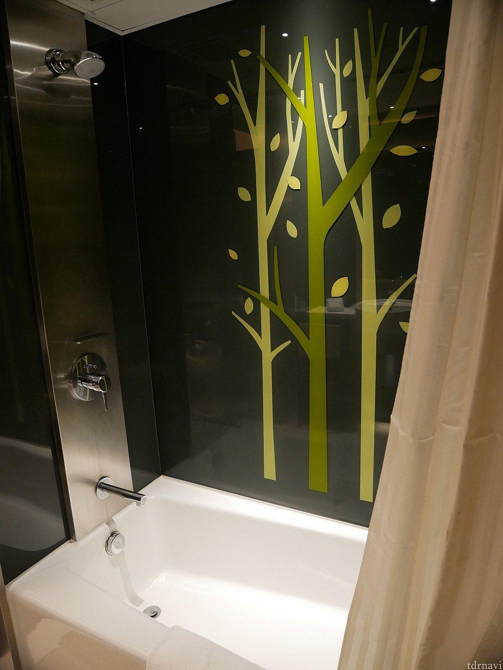 バスタブありが嬉しい!けどシャワーは固定でした。