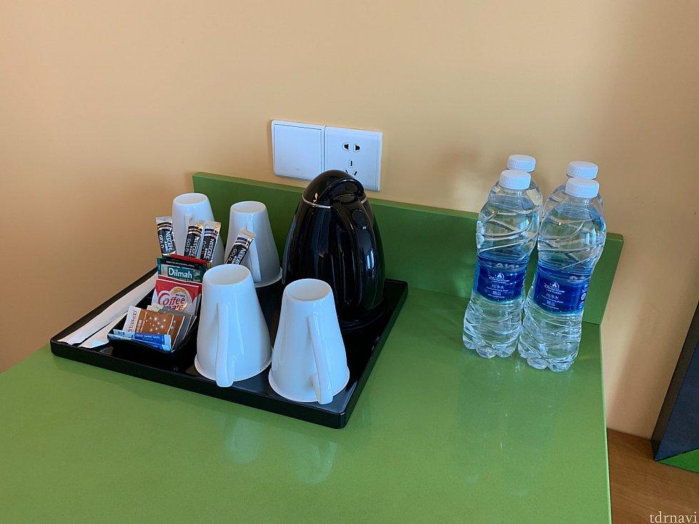 電気ケトルがあります。 お水ももらえます。