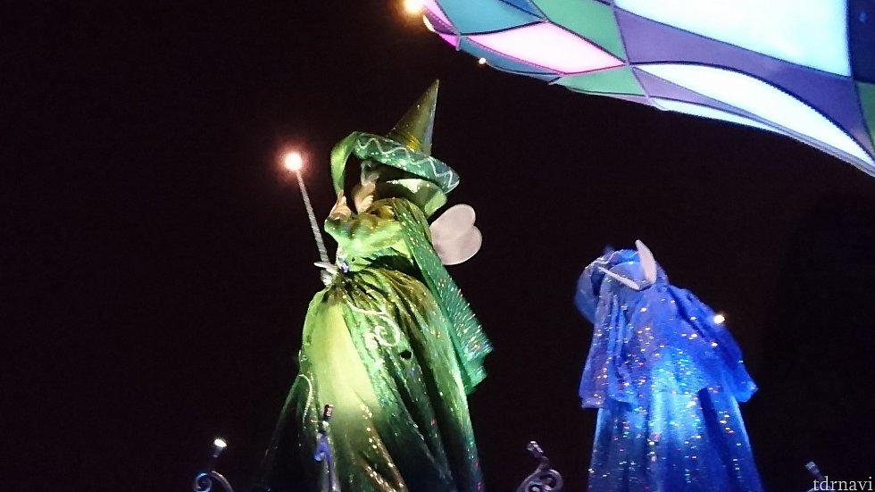 グリーン!ブルー!と妖精が続きます。
