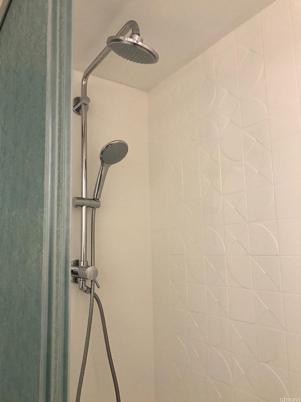 シャワーは2種類