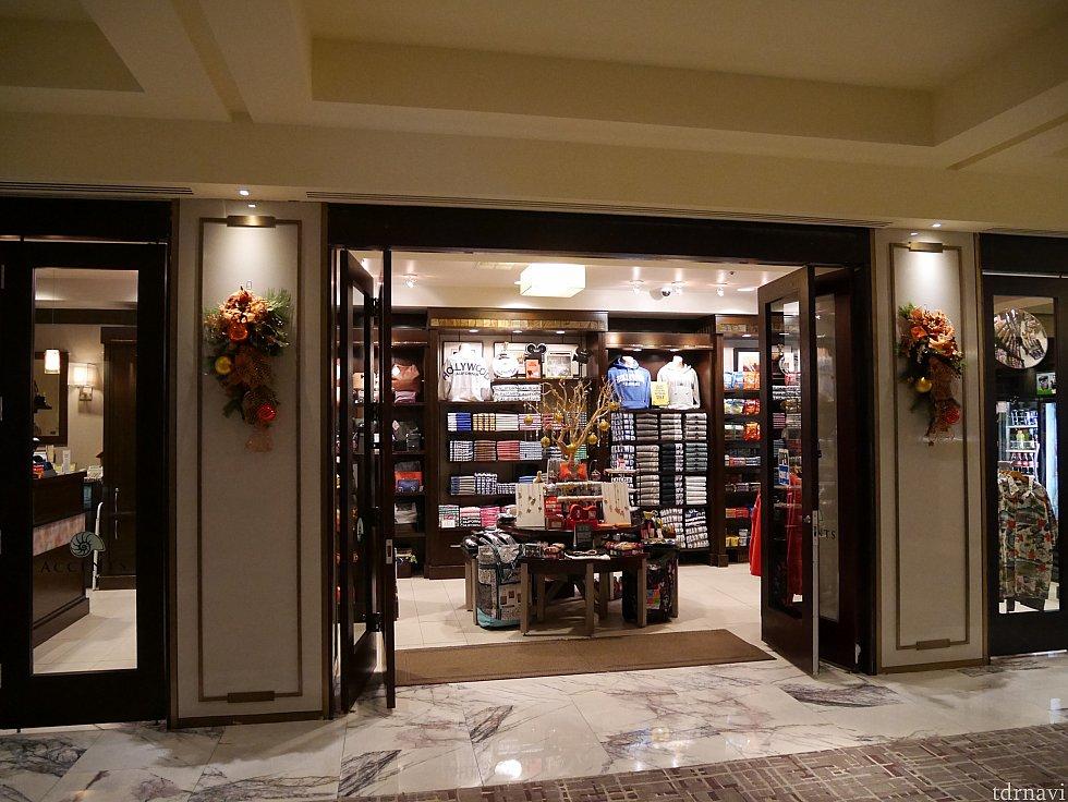 【ショップ】ホテルにはショップがあるので、ここで飲み物やお菓子などが買えます。