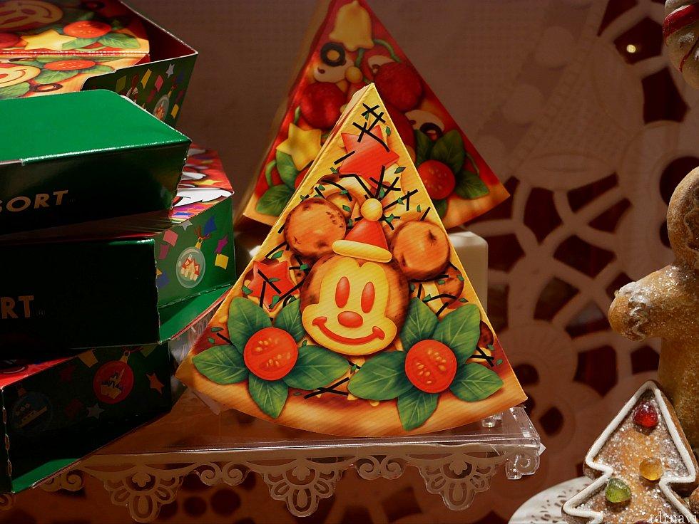 ピザボックスの中に、さらにピザ型の箱が入ったこのお菓子もかなりかわいかった😍 遊び心あふれるお土産がいっぱいで悩んじゃうと思いますが、個人的にアドベントカレンダーとピザボックスかなりおすすめです!