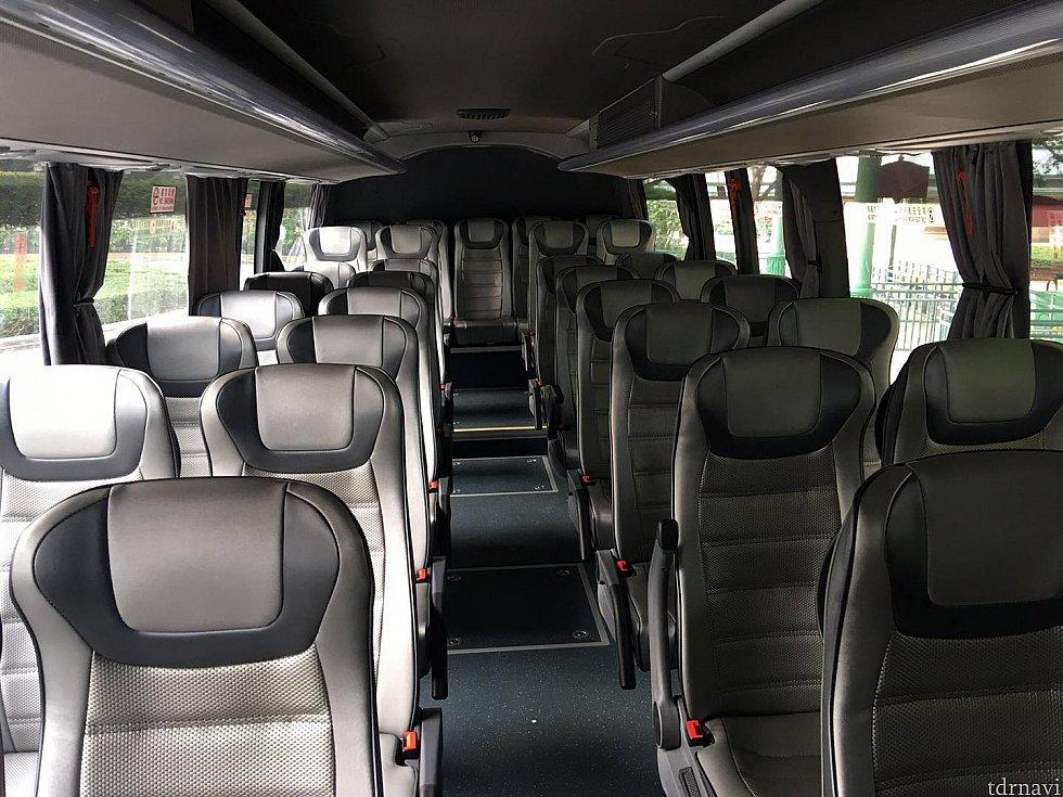乗客は僕を入れて2人だけでした。もう1人は業者さん?みたいな感じでした。
