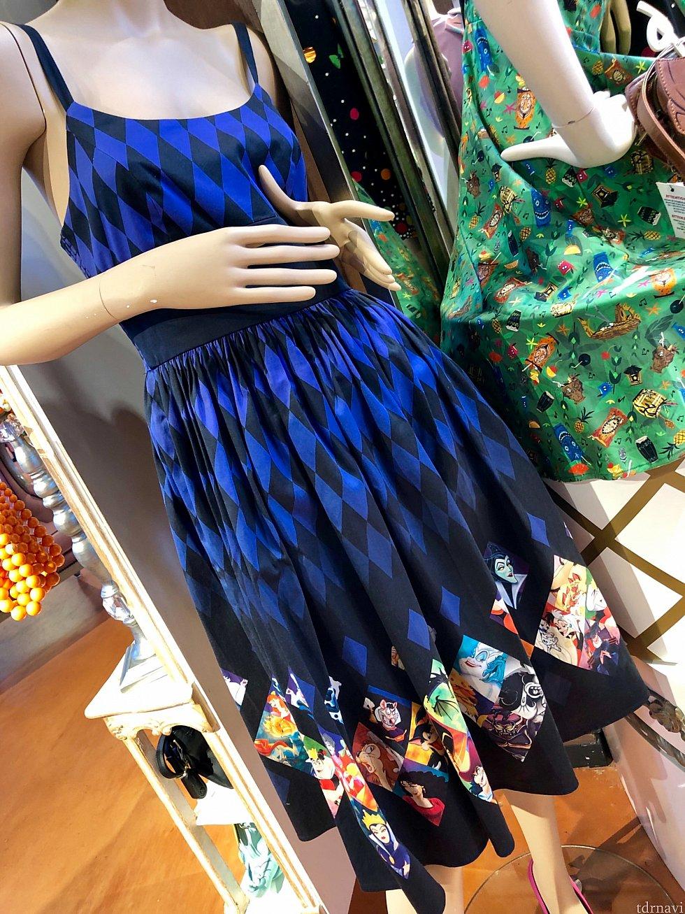 ディズニービランズのドレス。