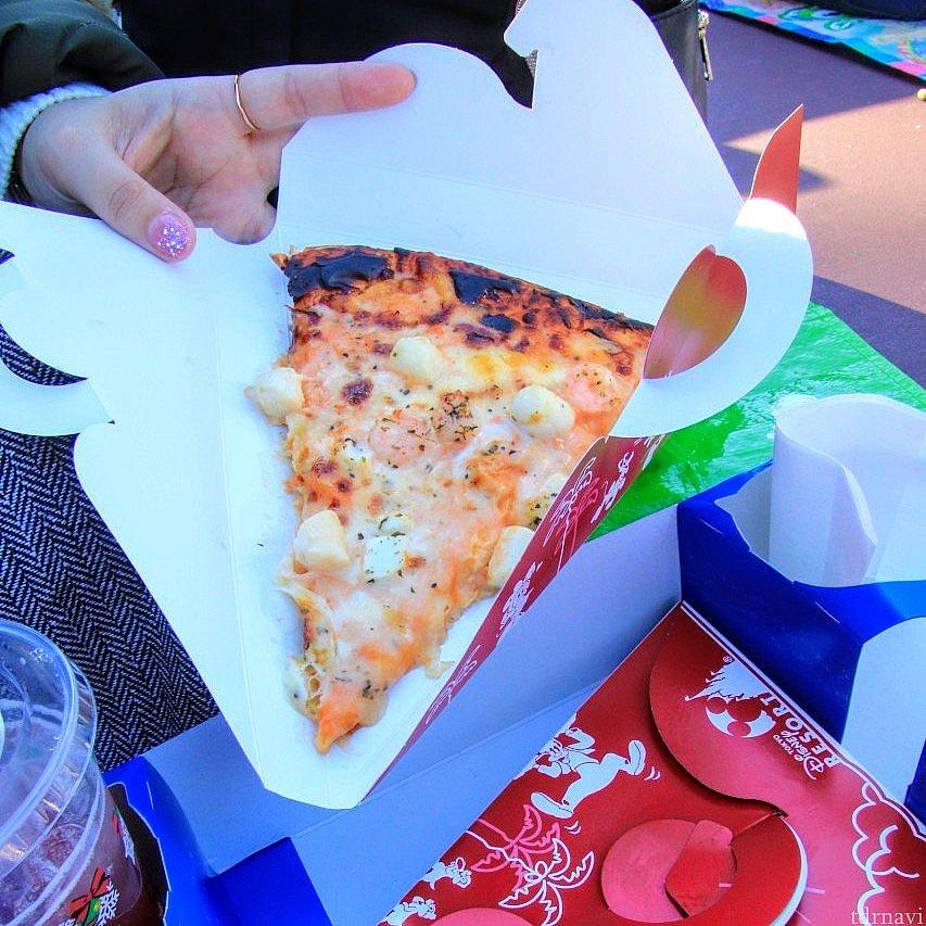 シーフードピザのセットです