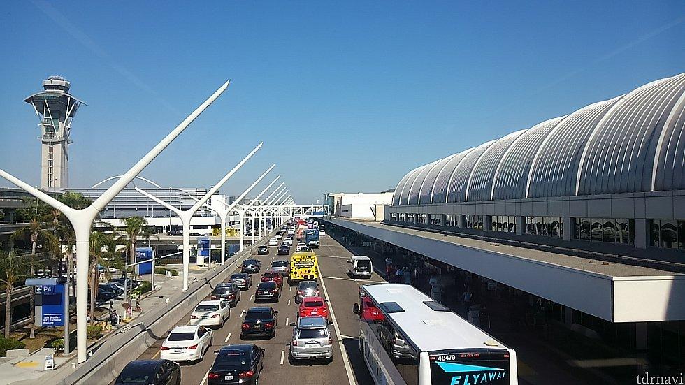 ロサンゼルス国際空港アメリカン航空ターミナル