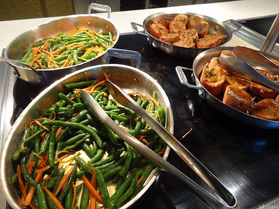 【ランチ】インゲンと人参のバター炒め。緑黄色野菜も摂れます!