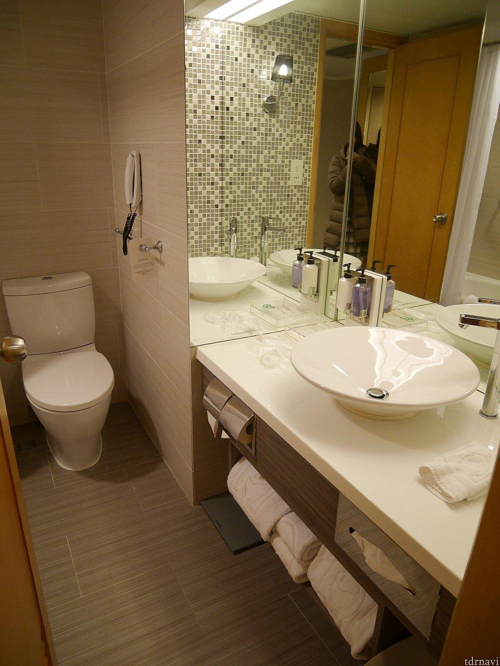 洗面所 体重計はエグゼクティブフロアにしかないとか、ちょっとした違いがあるかもしれません……