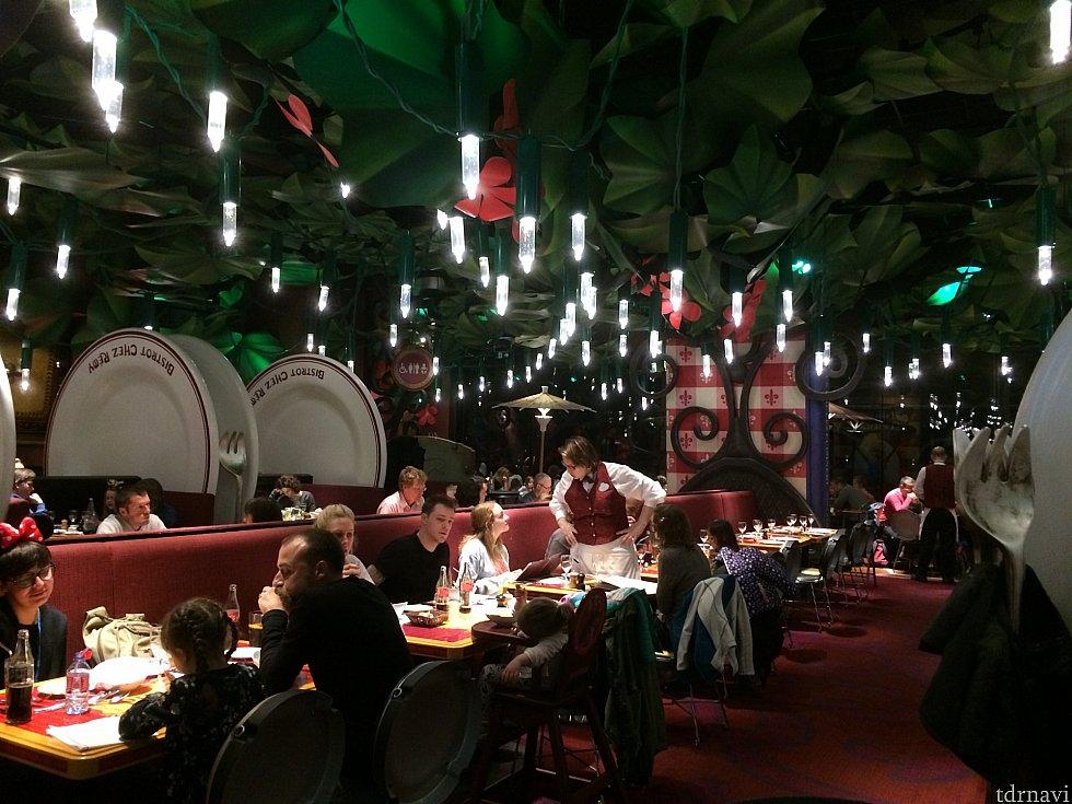 レストラン内部は映画のラストシーンそのまま。