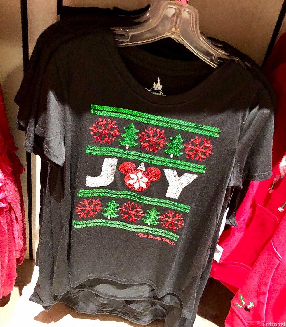 ディズニー色が抑えられているシャツもあります。$39.99