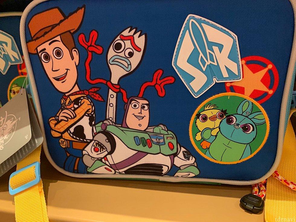 拡大するとこんな感じ!ばっちり4のキャラクターたちがデザインされています。