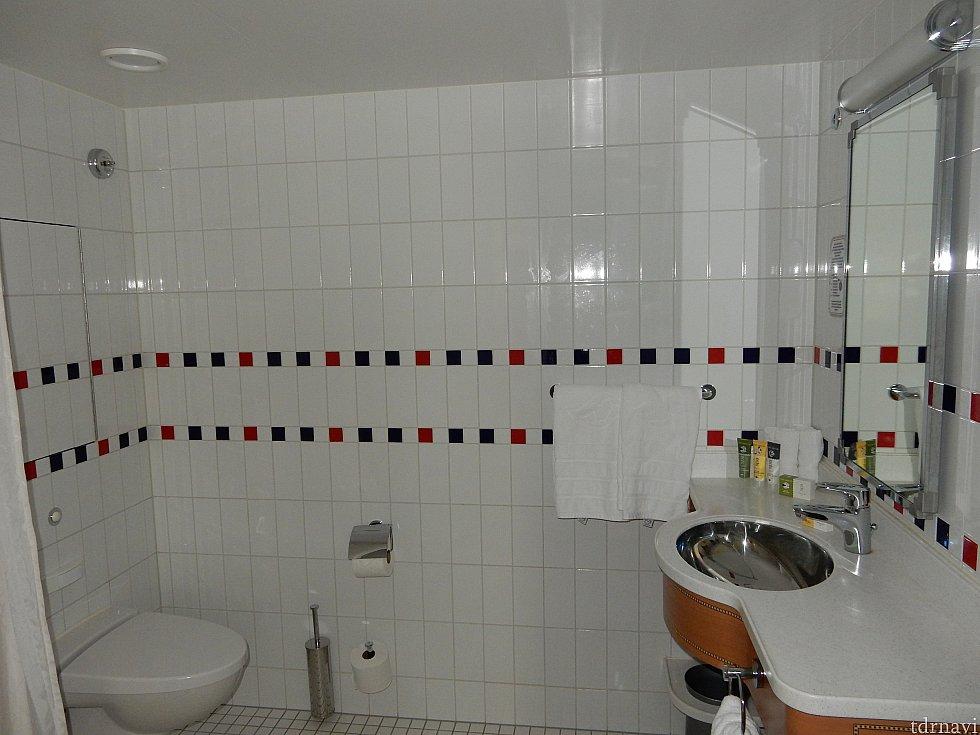 バスルームは残念ながらセパレートではありません。