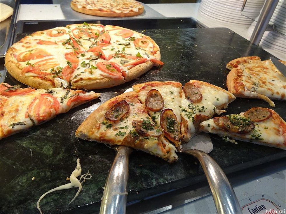 【ランチ】もちろんピザもあります