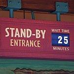 開園してすぐのスタンバイ時間は25分でした。お昼には40分待ちになっていることもありました。