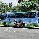 トイストーリーランド柄のバス
