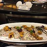 期間限定のコールドポークここにもミッキーシェイプが型どられた紅芋が!