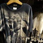 アトラクに出てきたままのイエティをプリントしたTシャツ。