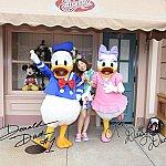 私がミッキー&ミニーをスタンバイ中に友人はダッシュでドナデジの元へ!!!