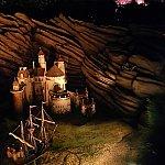 「リトルマーメイド」の仕掛けはこのお城と船ではなく・・・