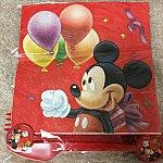 紙ナプキンとナイフ、フォーク、スプーンセット☆持ち手にもこのミッキーが描かれてますね(*^^*)