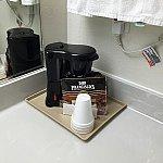 コーヒーメーカー。ちょっと汚かったので使うのをやめました・・・