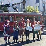 サンタ帽被ってクリスマス仕様♪