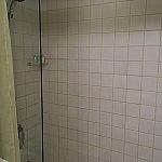 シャワーのみで湯船はありません。注意!