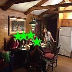 晩ご飯は皆でワイワイとテーブルを囲みました!