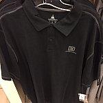 男性用のポロシャツ。$44.99
