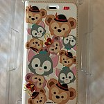 ダッフィー、ジェラトーニ、シェリーメイのツムツム柄です。これはiPhone6のケースです。