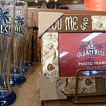 ビールグラスと写真たて