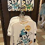 紫外線で色が変わるTシャツ!