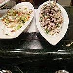 右側のポークと菜の花のサラダが美味しかったです♪
