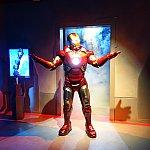 そこに、アイアンマンが超カッコよく登場!この登場シーンは必見!