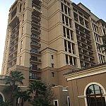 フォーシーズンズホテルの外観。高級ホテルです。