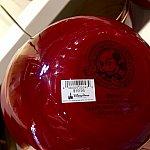 裏側は赤くツルツル。お値段は$19.95