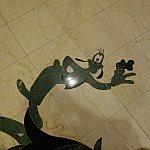 床のデザイン。キャラクターがいっぱいいます。