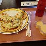ハワイアンピザ、マンゴープリン、スイカジュース