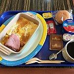 メイン+パン+ヨーグルト+コーヒーor紅茶