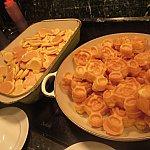 定番のミッキーパンケーキとミッキーワッフル