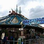 以前は「SPACE MOUNTAIN MISSION 2」となっていた入口が、「HYPER SPACE MOUNTAIN」に変わっているものの、外観に大きな変更点はなさそうです。