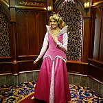 ロイヤル・ホールにて。オーロラ姫も美人さんでした。