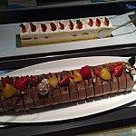 ショートケーキとブッシュドノエル