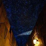 天文台への通路から見える星空がキレイ!