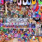 このクルーズターミナルにはメキシカンなお土産がたくさん♪素晴らしいですねー!