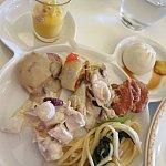 チキンマッシュルームソースとトルティーヤ本当に美味しかったです!パーク販売希望。