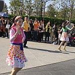 ダンサーさんは男女2名ずつでした。春らしい衣装!