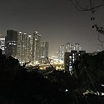 ホテルの外から眺めると香港の夜景が!