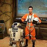 R2-D2と一緒に、Xウィングのパイロットとも写真を撮れます。