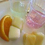 私がとったデザート。甘い物は全然食べれないのでゼリーとフルーツがあったのは助かりました☆